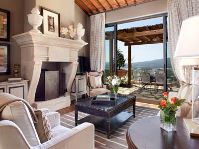 The Firm J Banks Design Group This Residential Suite Is Located Within A High End Resort Property That Situated Among Rolling Hills Of Tuscan